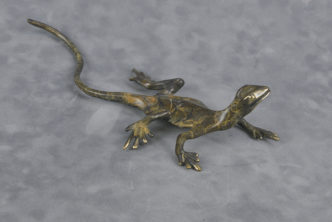Solid bronze Lizard sculpture Medium
