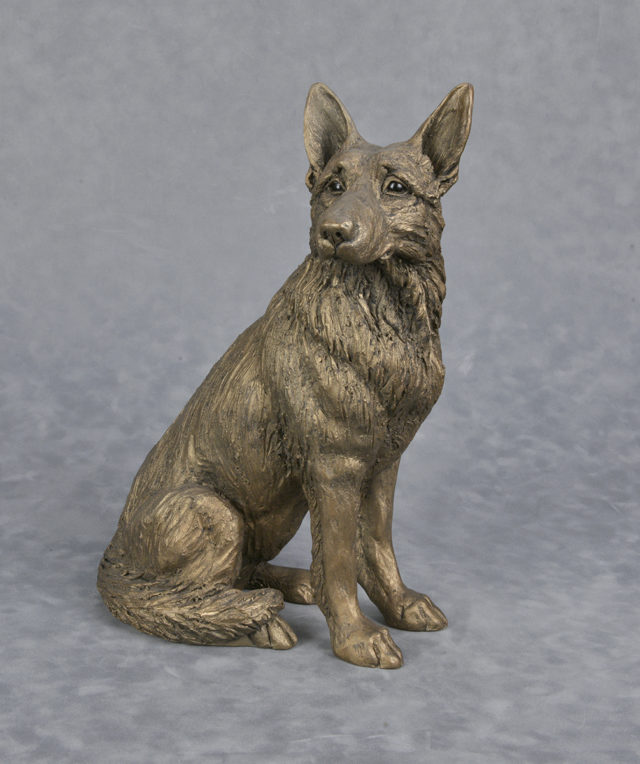 Frith bronz resin dog