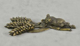 Mouse on Wheat Sheaf by Oriele Devon Bronze