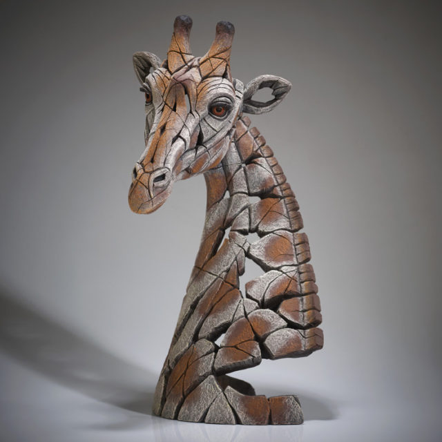 EDB24 Giraffe Bust Edge Sculpture