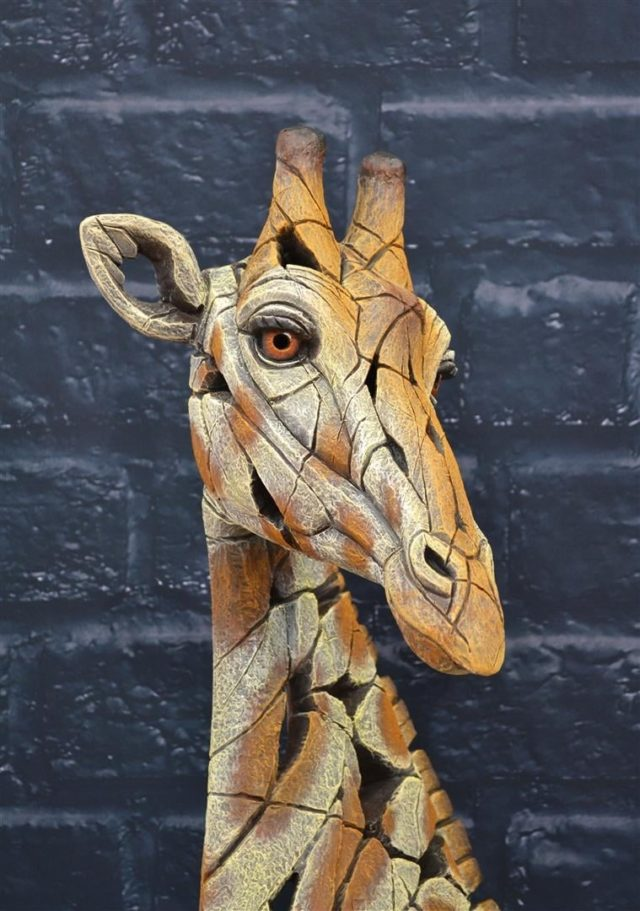 Giraffe Sculpture by Matt Buckley, Edge, Robert Harrop Designs.