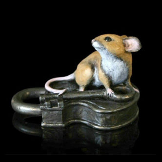 224BR Mouse on Antique Lock Richard Cooper