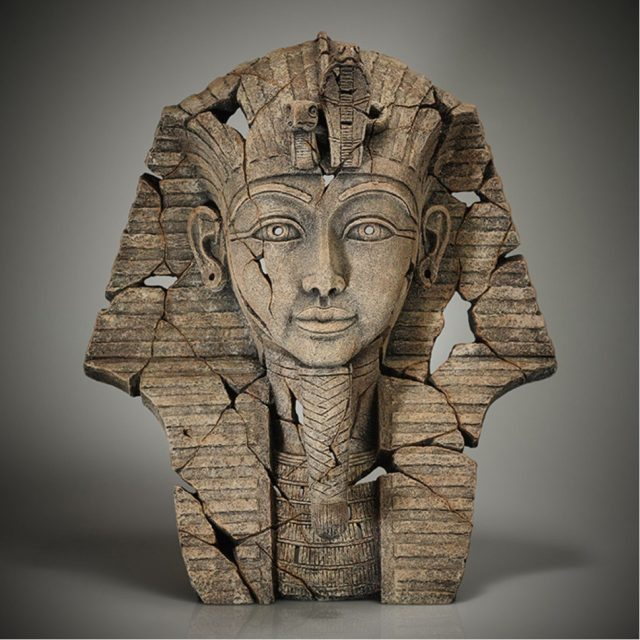 Edge Sculpture Tutankhamun Sands of Time